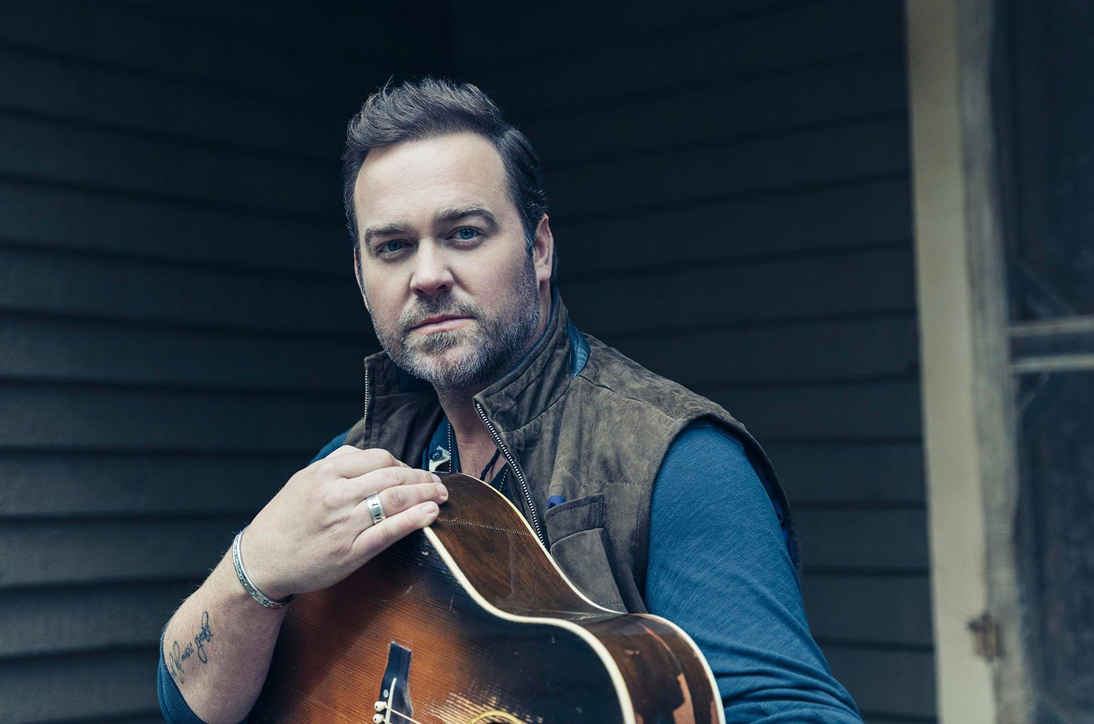 92.3 WCOL's Presents Lee Brice